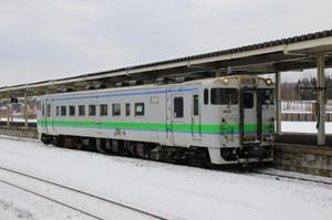 夕張行き普通列車(追分駅、キハ40-1818)